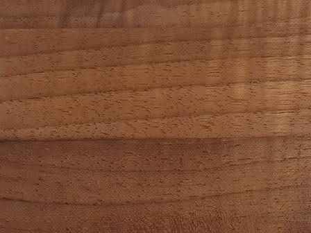Orehov les masivno