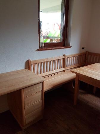 Soba iz macesnovega lesa